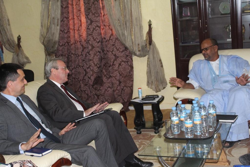 ماذا تعني زيارة السفير الفرنسي لحزب الاخوان في موريتانيا...؟
