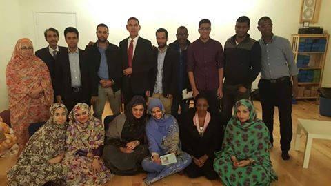 أفراد من الجالية الموريتانية بكندا في نشاط باسق