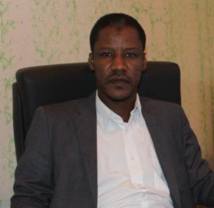 سيدي ولد عبد المالك كاتب و باحث موريتاني متخصص في الشأن الإفريقي